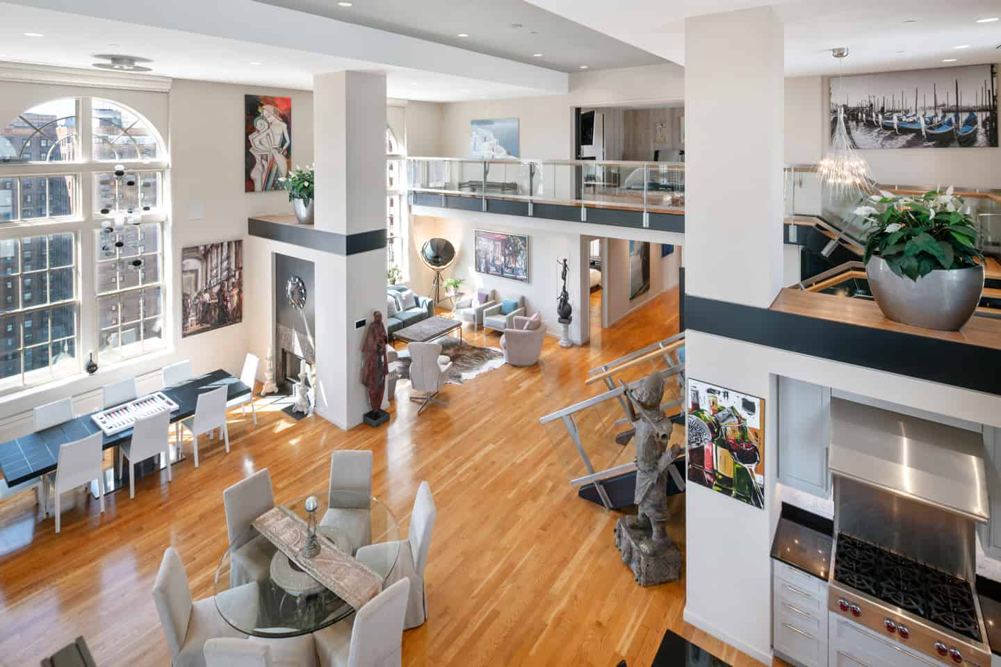 Real Estate Photographs of a Luxury Penthouse on Locust Street, in Philadelphia, PA