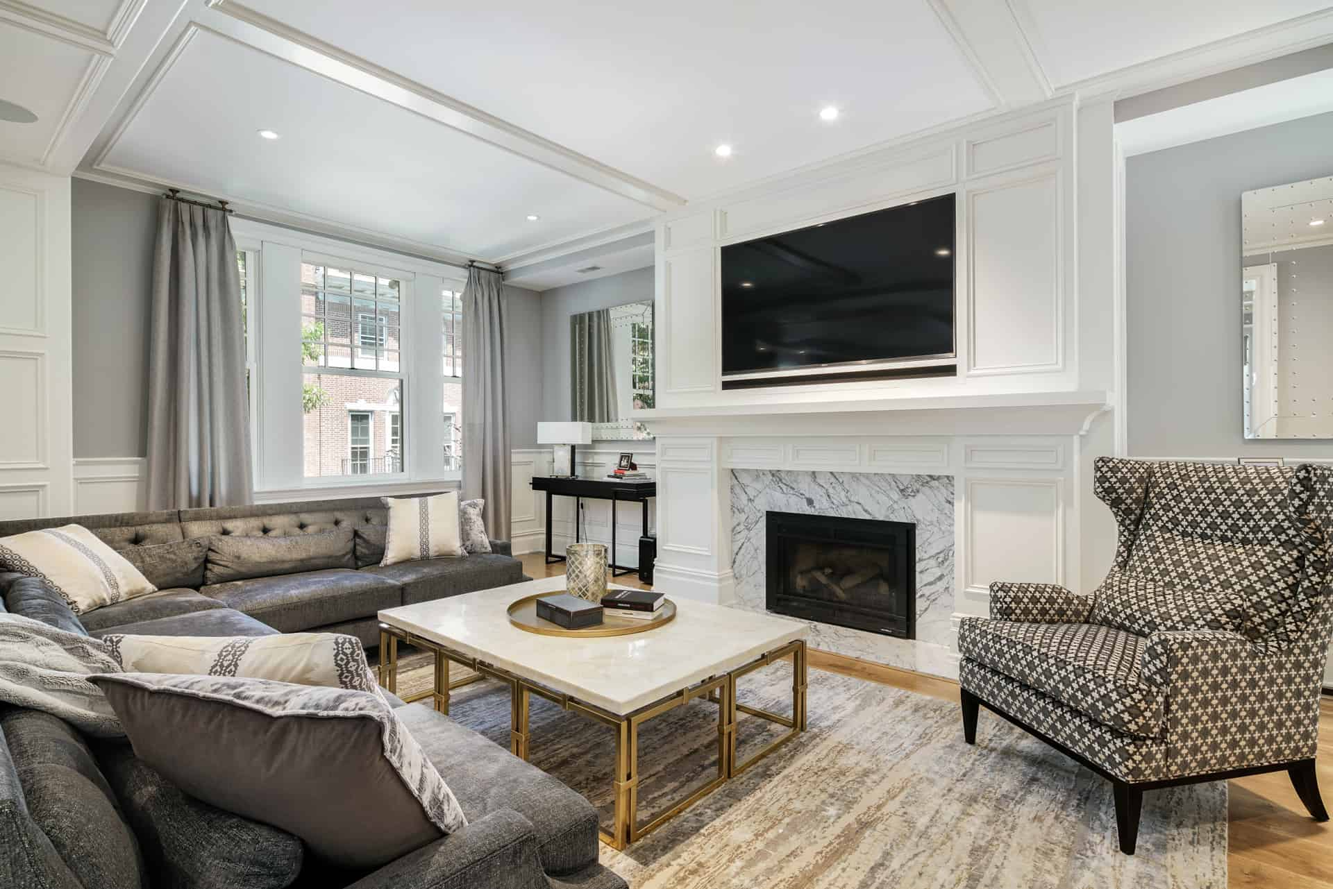 Real Estate Photograph of a Luxury Mansion on Spruce Street in Philadelphia, PA